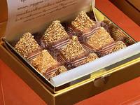 эталон шика и качества - шоколадные конфеты с золотыми фантиками