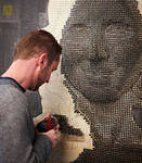гибрид картины со скульптурой, картина из шурупов