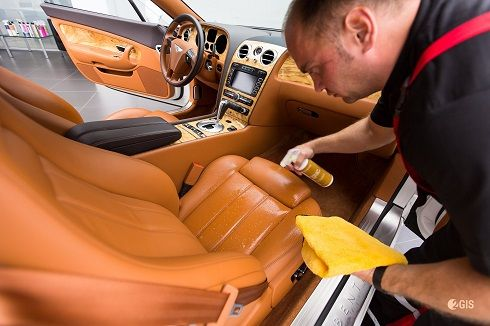 Обработка салона автомобиля гидрофобным средством